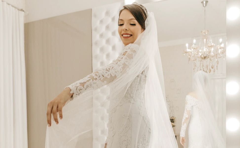 vBest Couture Wedding Dress Makers in Melbourne Cosmo