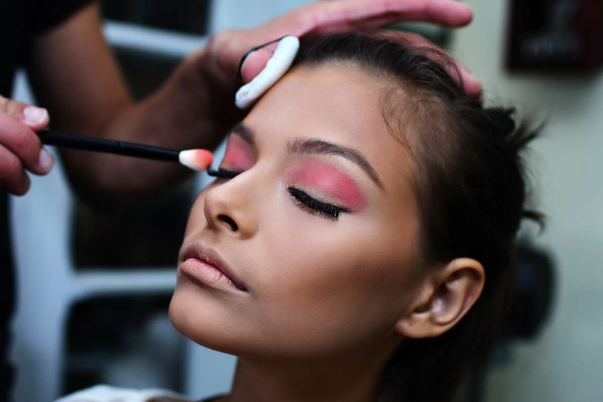 How To Pick A Makeup Artist for Your Wedding2