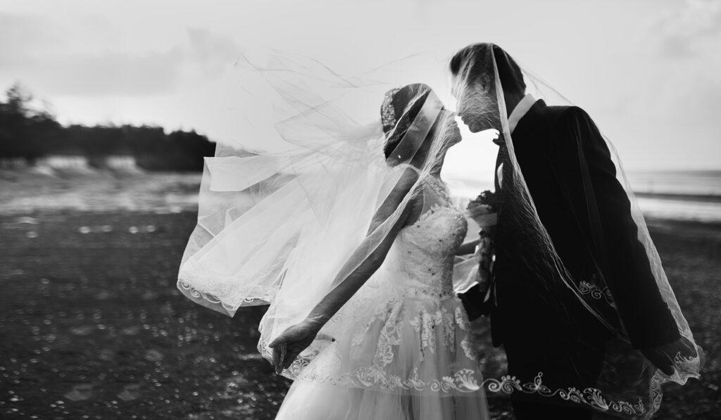 wedding-couple-photography